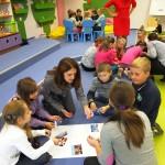 Dzieci wykonujące prace