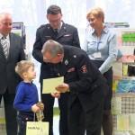 Przekazanie nagrody chłocpu