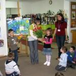 Agata Półtorak otrzymuje kwiaty