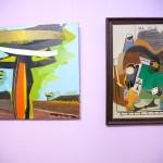 Obrazy wiszące na ścianie
