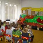 Przedstawienie teatrzyku kukiełkowego dla dzieci