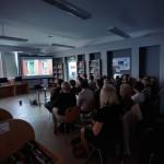 goście oglądają prezentację