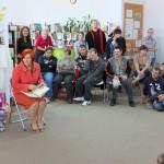 Uczestnicy Warsztatów Terapii Zajęciowych w Morągu z opiekunem