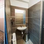 Fotografia toalety - sprzed i po remoncie