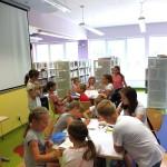 Dzieci w czasie ferii w sali dla dzieci