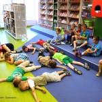 Dzieci leżące