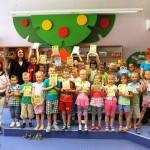 Grupowe zdjęcie z nagrodami