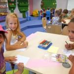 Dzieci zaczynające rysować