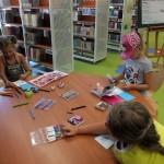 Dzieci rysujące