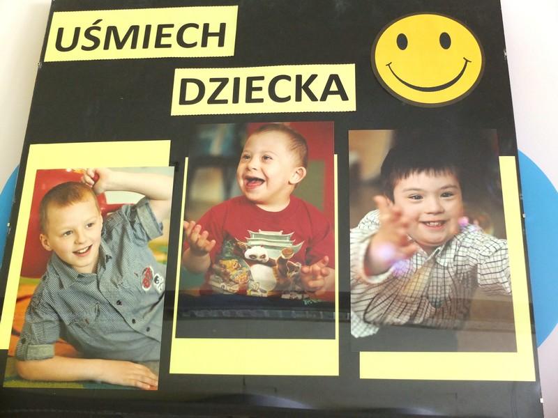 Zdjęcia uśmiechających się dzieci