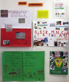 wystawka na temat dyskryminacji