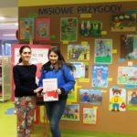 Bibliotekarka oraz uczestniczka konkursu