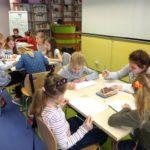 Dzieci bawiące się podczas ferii w Oddziale dla Dzieci