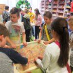 Dzieci wykazujące się umiejętnościami plastycznymi
