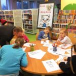 Dzieci rysują koty