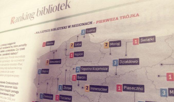 fragment z gazety Rezeczpospolita o Rankingu Bibliotek; mapa Polski z miejscowościami, które zajęły pierwsze 3 pozycje w każdym z województw