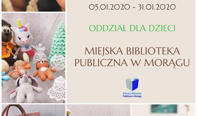 """Plakat wystawy Urszuli Ciulak pt. """"Prace wykonane na szydełku"""", na dole i po lewej 5 fotografi prezentujących prace"""